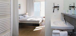 Granit-Bad für die Premium-Zimmer