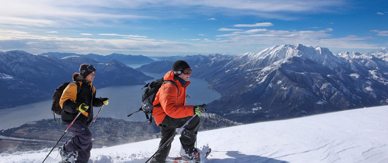 Schneeschuh-Wanderer auf Cardada-Cimetta
