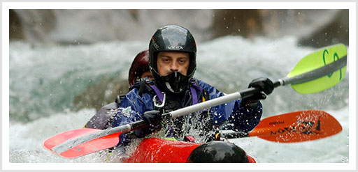 Wildwasser-Kanu fahren im Tessin
