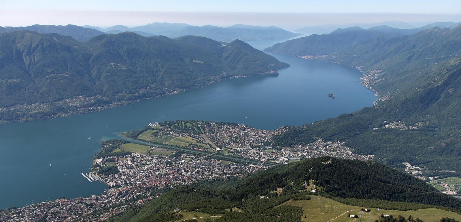 Luftaufnahme von Cardada-Cimetta auf Locarno und Ascona