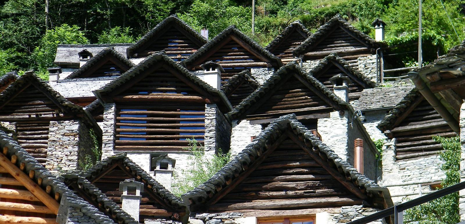 Restaurierte Ställe in Brontallo im Valle Maggia, Tessin