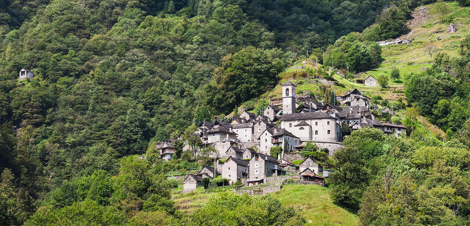 Das Dorf Corippo im Verzasca-Tal