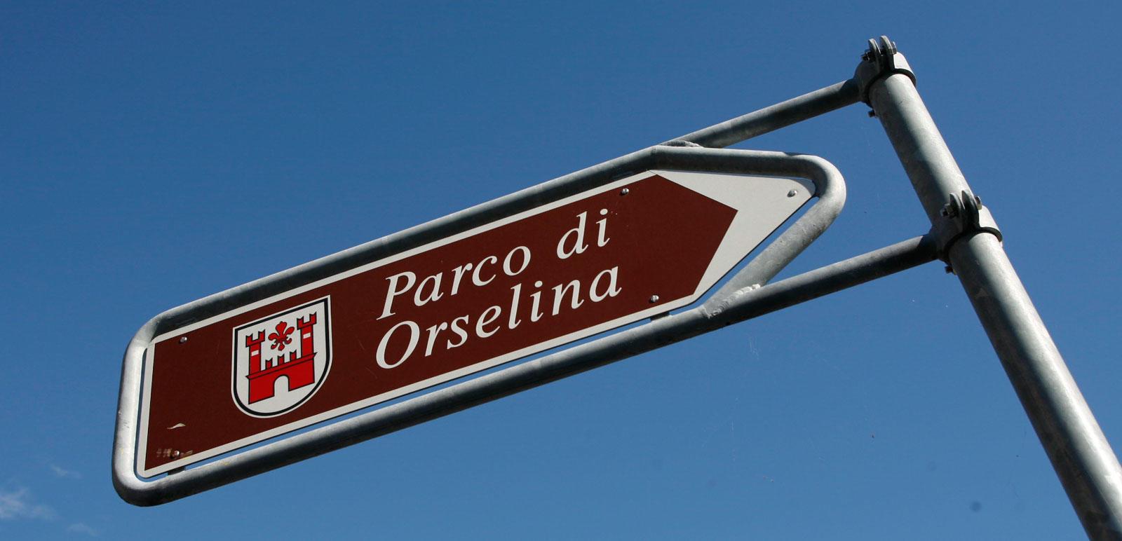 Wegweiser zum Parco di Orselina bei Locarno